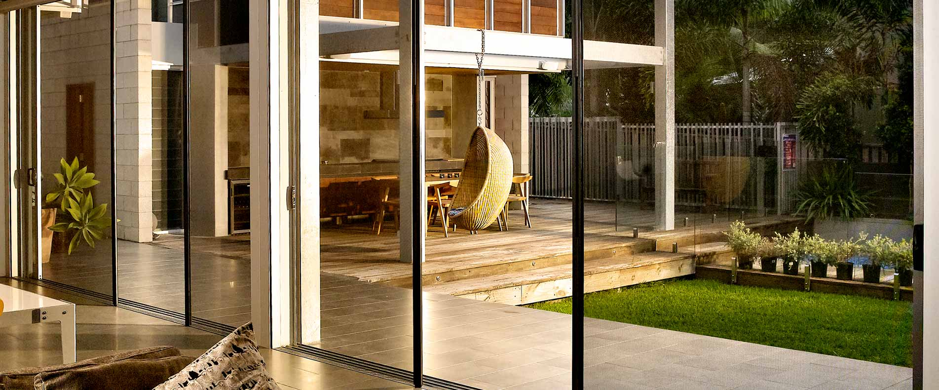 centor retractable screens